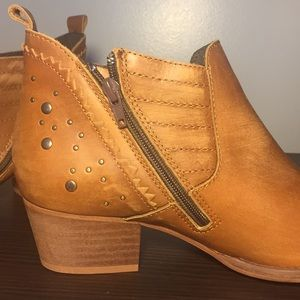 ceae3fe273d Nordstrom Shoes - Musse and Cloud Geneva Western Cue Studded Boots